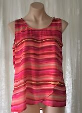SARAH MICHELLE SIZE M STRIP LAYERED WRAP OVER TOP