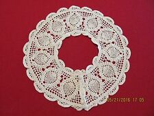 "Vintage 80's 3"" Crocheted Pineapples & Scallops Lace Collar"