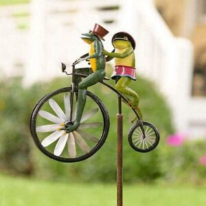 Metal Frog Ornament Wind Spinner with Standing Vintage Bicycle,  Animal Ornament
