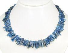 Wunderschöne Halskette aus Edelstein Kyanit in Form von unregelmäßigem Stäbchen