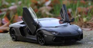 Welly 1:24 Lamborghini Aventador LP700-4 Diecast Model Racing Car Toy Black NIB
