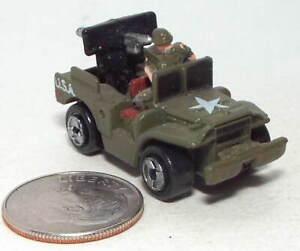 Micro Machine WWII type M-37 Weaps. Carrier W/Anti-Tank Gun in Dark Green W.Crew