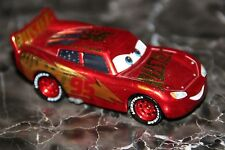 "DISNEY PIXAR CARS 3 ""RUST-EZE RACING CENTER LIGHTNING MCQUEEN""  LOOSE, BRAND NEW"