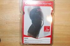 mcdavid 404 knee sleeve w/ anterior patch & open patella black level 1 small