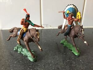 Britains Herald 1960's Mounted Indians - Great Condition