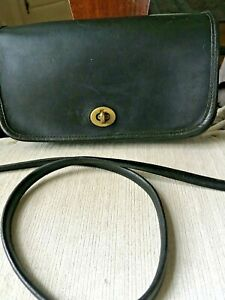 EARLY VINTAGE COACH DINKY-MADE IN NYC--BLACK LEATHER--BRASS HARDWARE-STYLE 9375