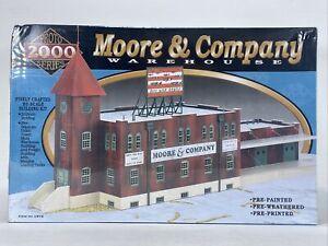 Life Like Proto 2000 Moore & Company Warehouse Building Model Kit HO 1372