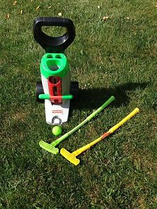 1998 Fisher-Price Grow to Pro Golf Set Kids Caddy Clubs Putting & Driving GUC