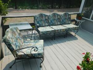 VINTAGE MEADOWCRAFT WROUGHT IRON PATIO FURNITURE SOFA, CHAIR & TABLE