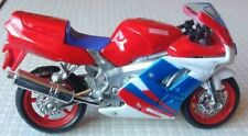 Maisto Diecast Toy Motorcycle - Yamaha FZR 600R - Motorbike - Scale 1:18