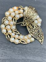Vintage Pin Brooch Lisner Signed Wreath Rhinestones Faux Pearls Gold Tone 2""