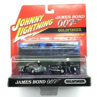 Johnny Lightning James Bond 007 Goldfinger Aston Martin Chrysler 300C Diorama