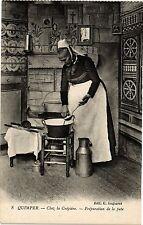 CPA Quimper-Chez la Crépiére-Préparation de la pate (188746)