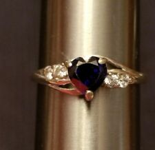 Pretty 10K White Gold Ring w/ Blue Stone (Sapphire?) Heart & Accent CZ Size 7