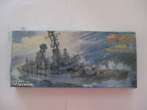 1 700 Model Ship USS MISSILE DESTROYER DDG-21 COCHRANE (M-8) PIT-ROAD D10-2583