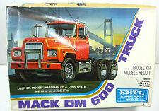 Ertl 8022 mack dm 600 Truck plástico modelo kit 1:25 nuevo (f6)