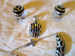 Schmuckset 4 teilig, Anhänger, Ohrringe,  Armband mit Kreuz  925 Silber