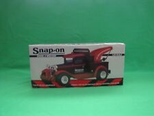 SNAP-ON TOOLS 1/25TH SCALE MODEL A WRECKER LOCKING COIN BANK,- MINT