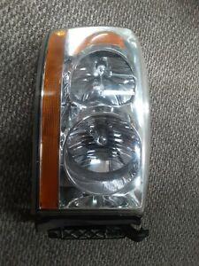 2006 Dodge Ram 2500 Headlight Headlamp Right Passenger Side OEM