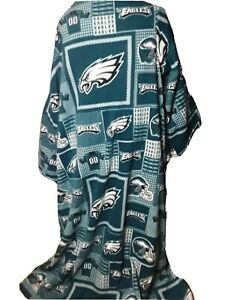 Philadelphia Eagles | Green & White Snuggie blanket (Size: 62 in x 66 in)