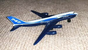 MATCHBOX SKY BUSTERS BLUE/WHITE BOEING 747-400 COMMERCIAL JET AIRLINER 1/13 BIN