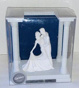 WILTON WEDDING CAKE TOPPER PORCELAIN COUPLE DANCING  KEEPSAKE DISPLAY