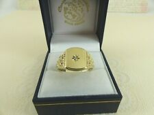 Gents 9ct Gold Diamond Signet Ring, Size V
