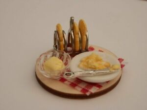 Dolls house food: Toast rack of toast and a plate of buttered toast set -By Fran