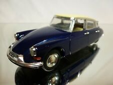 RIO 1:43 - CITROEN DS 19 BERLINA BLUE + CREME ROOF  - VERY GOOD CONDITION.