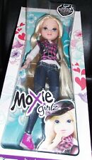 MOXIE GIRLZ * AVERY *