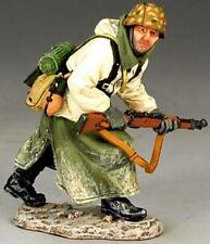 KING & COUNTRY BATTLE OF THE BULGE BBG027 ADVANCING GERMAN RIFLEMAN MIB