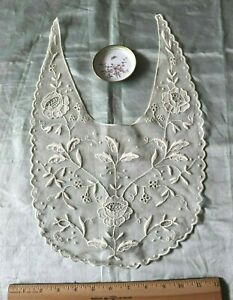 Antique c1900 French Hand Embroidered Rose Lace Dress Front Collar~Bridal~17X11