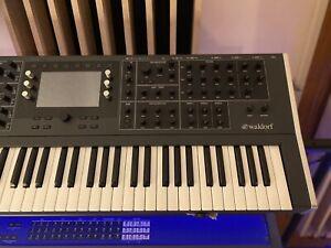 Waldorf Quantum 8-Voice 61-Key Digital-Analog Polyphonic Synthesizer