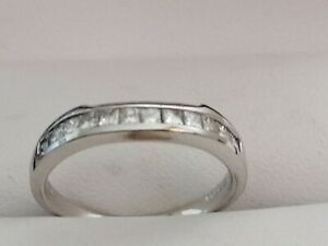 18ct white gold diamond wedder ring size 6