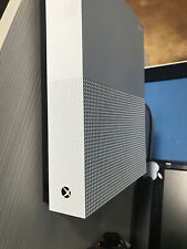 Microsoft Xbox One 1TB (Edizione All Digital con Sea of Thieves, Minecraft e...