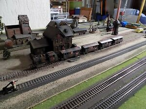 MARKLIN - Märklin, WWII MILITARY STEAM ENGINE 89028 WITH FOUR WAGONS, SCALE HO