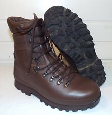 ALTBERG BROWN LEATHER COMBAT DEFENDER BOOTS - Size: 9 Med , British Army Issue