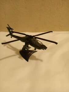 Maisto Diecast AH-64A  Apache Attack Helicopter With Stand