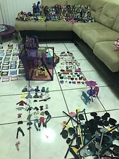 HUGE LOT of MONSTER HIGH 60 dolls & playsets - barely used Set School Bed Rare