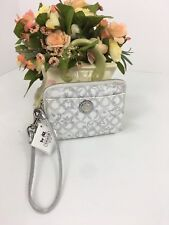 New Coach Wallet Waverly Snow Small Wristlet 44447 White Silver W15