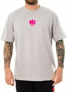 Adidas Men's 3D Trefoil Graphic Tee, Grey Two / Shock Pink
