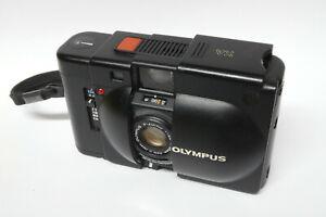 Olympus XA analoge Kompaktkamera mit Olympus 2,8 / 35 mm Objektiv