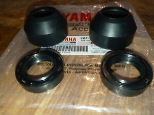 Yamaha DT100 MX100 RS100 HT1 HS1 YZ80 Front Fork Oil Seal 27x39x10.5 (a pair)