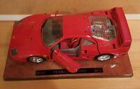 Burago 1/18 Scale - Ferrari F40 TESTAROSSA 1987 rot INKL Holz sockel F40