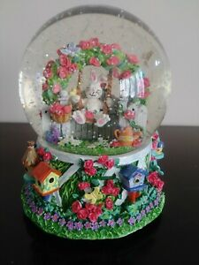 Spring Easter Bunny Rabbit Musical Snow Globe plays Twinkle Twinkle Little Star