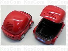 USB Aschenbecher als rotes Auto mit Filter und leuchtenden LEDs als Scheinwerfer