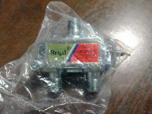 REGAL GRS2DGH 2 WAY HORIZONTAL COAXIAL SPLITTER 5 - 1000 MHz LOT OF 8 NEW