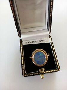 9ct Gold Synthetic Fire Opal Ring Size O 3.0g
