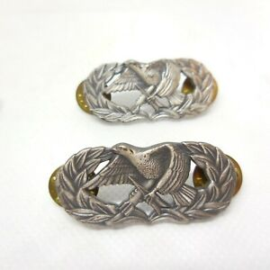 Military Pin Eagle Holding Bomb & Arrow Same Size 4 Pieces 2 Bright 2 Dull
