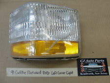 91 Cadillac Fleetwood RWD LEFT DRIVER SIDE FRONT CORNER PARK TURN SIGNAL LIGHT
